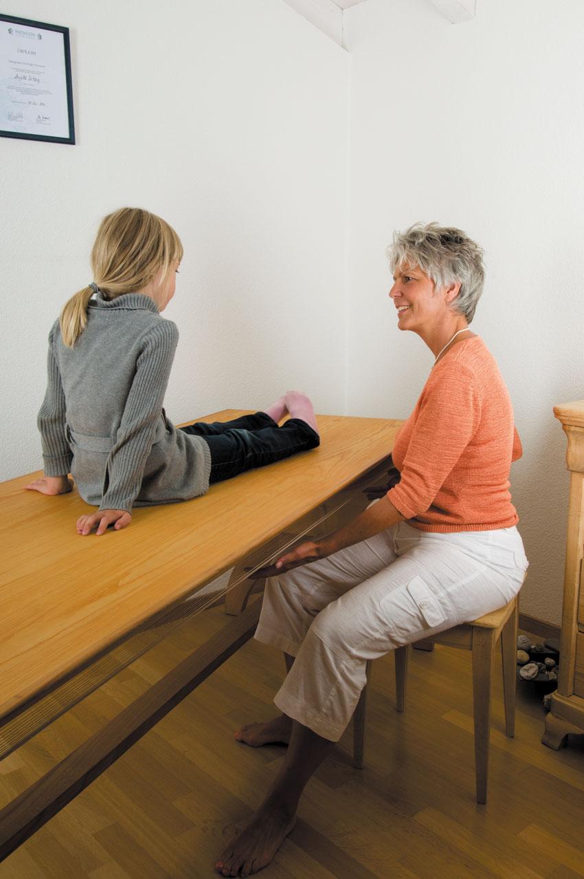 Monochord Therapie für Kinder - Brigitte Witzig Körperarbeit